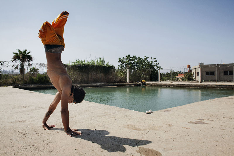 Lebanon: Mohammed loves to swim | © Laura Boushnak (Freelance Photographer, Rawiya Collective)