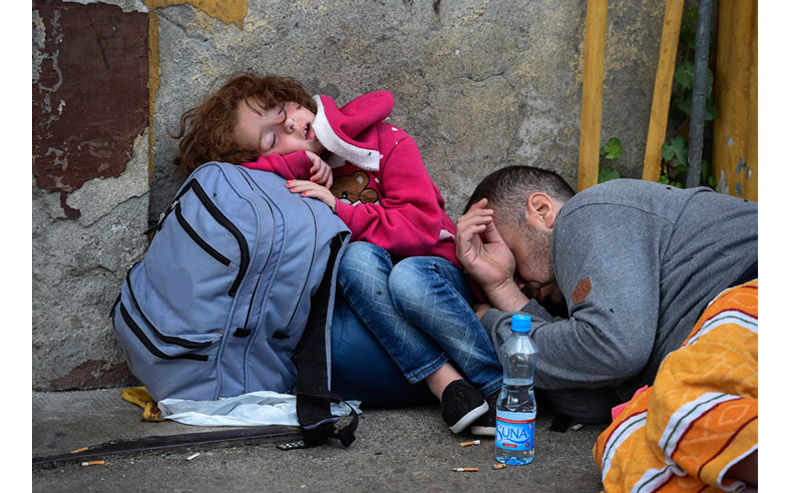 Greek-Macedonian border: Utter despair | © Georgi Licovski/epa