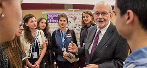 UNICEF-Exekutivdirektor Anthony Lake beim BMZ-Expertenforum